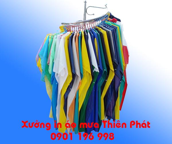 Sản xuất áo mưa cánh dơi, in áo mưa quảng cáo theo yêu cầu, may áo mưa quà tặng giá rẻ. LH : 0901 196 998