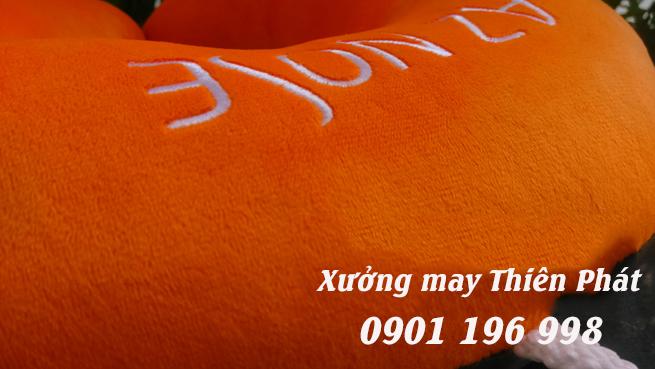 Sản xuất gối vải quà tặng, chuyên may gối vải quảng cáo giá rẻ TPHCM